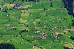 το αγρόκτημα στεγάζει την Ελβετία Στοκ Εικόνες