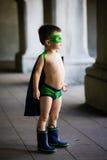 Το αγόρι έντυσε επάνω ως superhero Στοκ φωτογραφίες με δικαίωμα ελεύθερης χρήσης
