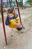 το αγόρι ασκεί τις νεολ&alpha Στοκ φωτογραφίες με δικαίωμα ελεύθερης χρήσης