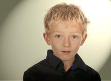 το αγόρι αφορούσε λίγα π&omicro Στοκ Εικόνες