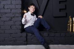 Το αγόρι με τα sparklers Στοκ φωτογραφία με δικαίωμα ελεύθερης χρήσης