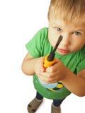 Το αγόρι με το άσπρο εργαλείο τρίχας και μπαμπάδων ` s Στοκ φωτογραφίες με δικαίωμα ελεύθερης χρήσης