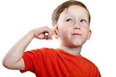 το αγόρι σκέφτεται Στοκ εικόνα με δικαίωμα ελεύθερης χρήσης