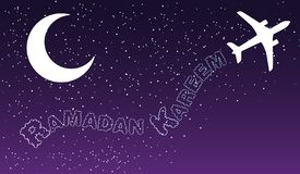 Το αεροπορικό ταξίδι νύχτας ουρανού καλύπτει το ramadan σχέδιο χαιρετισμ απεικόνιση αποθεμάτων