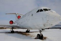 Το αεροπλάνο στο χώρο στάθμευσης Στοκ φωτογραφία με δικαίωμα ελεύθερης χρήσης