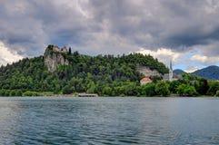 Το αιμορραγημένο νησί, αιμορράγησε το Castle, και η εκκλησία προσκυνήματος αφιέρωσε στοκ εικόνα