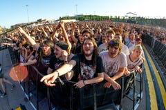 Το ακροατήριο σε μια συναυλία Download στο φεστιβάλ μουσικής βαρύ μετάλλου στοκ φωτογραφία με δικαίωμα ελεύθερης χρήσης