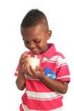 το αμερικανικό μαύρο παιδί afro 10 απομόνωσε τα χαμόγελα Στοκ Εικόνα