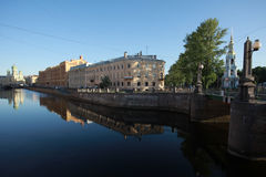 Το ανάχωμα του καναλιού Griboedov θόλος Isaac Πετρούπολη Ρωσία s Άγιος ST καθεδρικών ναών Στοκ φωτογραφία με δικαίωμα ελεύθερης χρήσης