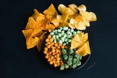 Το ανθυγειινό γρήγορο φαγητό τσιμπά croutons φυστικιών τσιπ Στοκ εικόνες με δικαίωμα ελεύθερης χρήσης