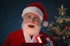 το απομονωμένο Claus santa ανασκόπησης εξέπληξε το λευκό Στοκ Εικόνες