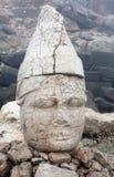 Το αρχαίο άγαλμα πετρών στην κορυφή Nemrut τοποθετεί, Τουρκία Στοκ φωτογραφία με δικαίωμα ελεύθερης χρήσης
