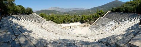 Το αρχαίο θέατρο Epidaurus είναι ένα θέατρο στην ελληνική παλαιά πόλη Epidaurus που αφιερώνεται στο Θεό αρχαίου Έλληνα της ιατρικ Στοκ εικόνα με δικαίωμα ελεύθερης χρήσης