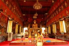το αρχαίο andaround 2325 δεδομένου ότι το στεμμένο μεγάλο επικεφαλής κανάλι hismajesty hisreturn ι της Καμπότζης buri μπανιέρων λ Στοκ Εικόνες