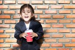 Το ασιατικό κορίτσι καυτό πίνει τον καφέ Στοκ εικόνες με δικαίωμα ελεύθερης χρήσης