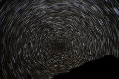 Το αστέρι ακολουθεί τα βουνά ουρανού Στοκ εικόνες με δικαίωμα ελεύθερης χρήσης