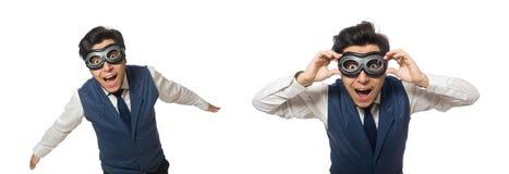 Το αστείο άτομο που φορά τα προστατευτικά δίοπτρα που απομονώνονται στο λευκό στοκ εικόνα