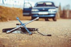 Το αυτοκίνητο ανάλυσε στο δρόμο Στοκ φωτογραφία με δικαίωμα ελεύθερης χρήσης