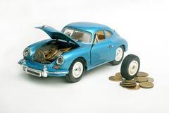 το αυτοκίνητο ι χρήματα σώ&ze Στοκ φωτογραφία με δικαίωμα ελεύθερης χρήσης