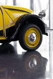το αυτοκίνητο παλαιό απ&epsilon Στοκ Φωτογραφίες