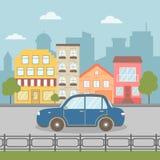Το αυτοκίνητο πηγαίνει στο δρόμο στην πόλη ελεύθερη απεικόνιση δικαιώματος