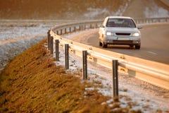 Το αυτοκίνητο στην εθνική οδό Στοκ Εικόνες