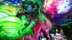 Το αφηρημένο ζωηρόχρωμο υγρό μελανιού χρωμάτων εκρήγνυται το Κίνημα φυσήματος Pshychedelic διάχυσης φιλμ μικρού μήκους