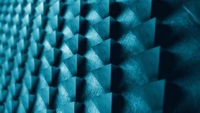 Το αφηρημένο σχέδιο τοίχων μετάλλων των τριγώνων τρισδιάστατων δίνει την απεικόνιση στοκ φωτογραφίες