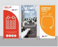 Το βέλος αναπροσαρμογών, μεταφορτώνει από το σύννεφο, ημερολόγιο με την ημέρα 5 ρόλος επάνω Στοκ φωτογραφίες με δικαίωμα ελεύθερης χρήσης