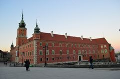 Το βασιλικό Castle κοιτάζει επίμονα την παλαιά πόλη Βαρσοβία Πολωνία Miasto Στοκ Φωτογραφίες