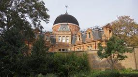 Το βασιλικό παρατηρητήριο στο πάρκο του Γκρήνουιτς κοντά στο Λονδίνο Στοκ Φωτογραφίες