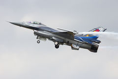 Το βελγικό F-16 Πολεμικής Αεροπορίας επιδεικνύει σόλο Στοκ φωτογραφίες με δικαίωμα ελεύθερης χρήσης