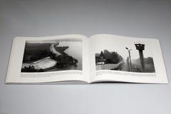 Το βιβλίο τειχών του Βερολίνου 1961-1989, παρατηρητήριο στο Ανατολικό Βερολίνο στοκ εικόνα με δικαίωμα ελεύθερης χρήσης