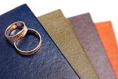 το βιβλίο χτυπά το γάμο στοκ φωτογραφίες