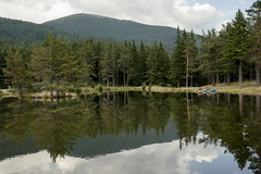 Το βουνό & τα δύο Pedalos Στοκ εικόνα με δικαίωμα ελεύθερης χρήσης