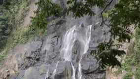 Το βουνό της Ταϊβάν, Wulai πέφτει, τα περίχωρα της Ταϊπέι, η διάσημη έλξη, φρέσκος και ευχάριστος, θερινό θέρετρο, απόθεμα βίντεο