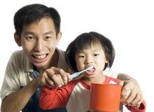 το βούρτσισμα μαθαίνει teeth1 Στοκ εικόνες με δικαίωμα ελεύθερης χρήσης