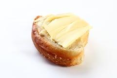 Το βούτυρο με το ψωμί απομόνωσε το άσπρο υπόβαθρο Στοκ εικόνα με δικαίωμα ελεύθερης χρήσης