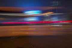 Το βράδυ, τα οδικά ελαφριά ίχνη πόλεων Στοκ φωτογραφία με δικαίωμα ελεύθερης χρήσης