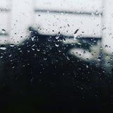 Το βροχερό παράθυρο στοκ εικόνα με δικαίωμα ελεύθερης χρήσης