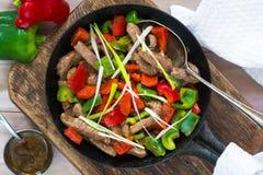 Το βόειο κρέας ανακατώνει τα τηγανητά στοκ φωτογραφίες με δικαίωμα ελεύθερης χρήσης