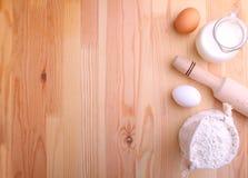 Το γάλα αλευριού αυγών και χτυπά ελαφρά Στοκ Φωτογραφία