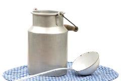 Το γάλα μπορεί Στοκ φωτογραφία με δικαίωμα ελεύθερης χρήσης