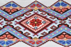 Το γεωμετρικό σχέδιο κέντησε το σταυρό Στοκ εικόνα με δικαίωμα ελεύθερης χρήσης
