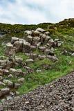 Το γιγαντιαίο υπερυψωμένο μονοπάτι ` s στη κομητεία Antrim, Βόρεια Ιρλανδία Στοκ εικόνα με δικαίωμα ελεύθερης χρήσης