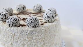 το γκρι κέικ ανασκόπησης απομόνωσε το λευκό Στοκ Φωτογραφία