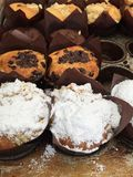 Το γλυκό αρτοποιείο μεταχειρίζεται για την πώληση στοκ εικόνες