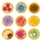 Το γλυκό επιδόρπιο συσσωματώνει τα φρούτα Στοκ Εικόνα