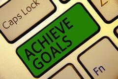 Το γράψιμο κειμένων γραφής επιτυγχάνει τους στόχους Η έννοια έννοιας οδηγεί προσανατολισμένος στόχος προσιτότητας που ο αποτελεσμ στοκ εικόνα