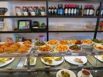 Το γρήγορο φαγητό παρουσιάζει παραδοσιακά ισπανικά τηγανητά Στοκ φωτογραφία με δικαίωμα ελεύθερης χρήσης